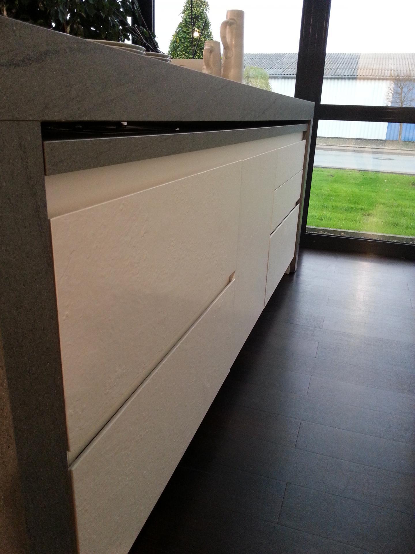 cuisine en ardoise blanche mat riaux noble. Black Bedroom Furniture Sets. Home Design Ideas