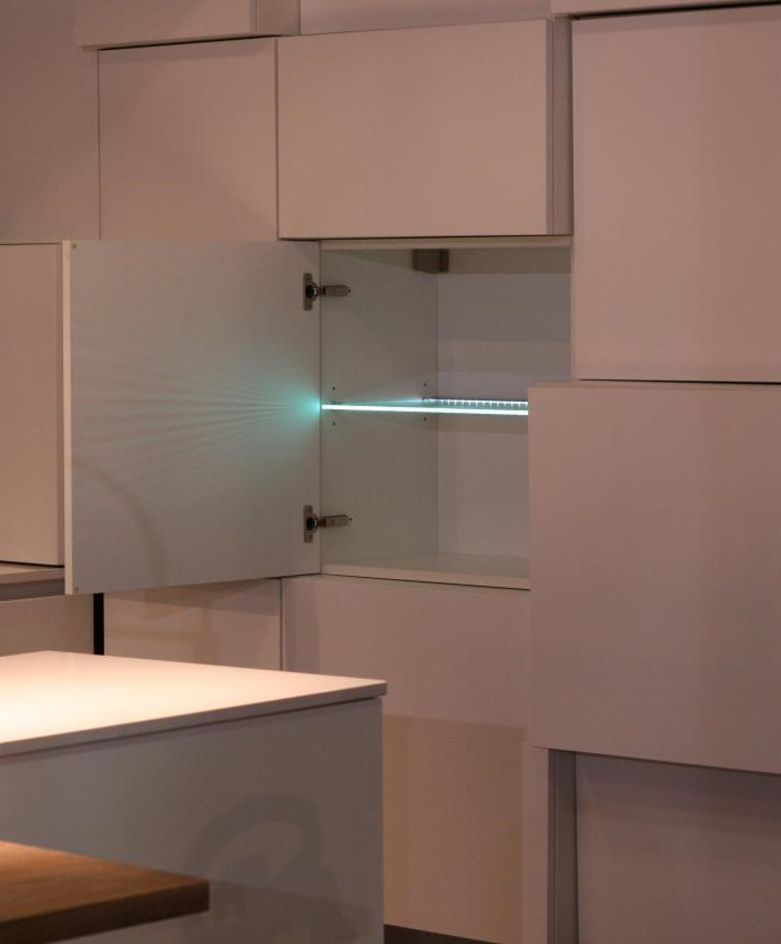 Eclairage design meuble etagere verre